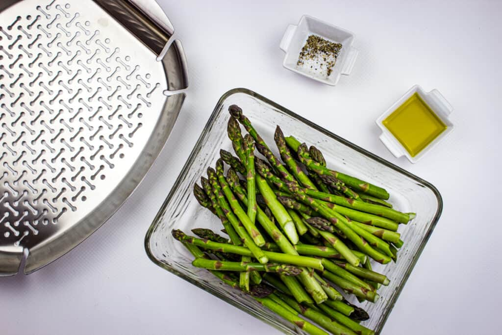 ingredients to make smoked asaparagus