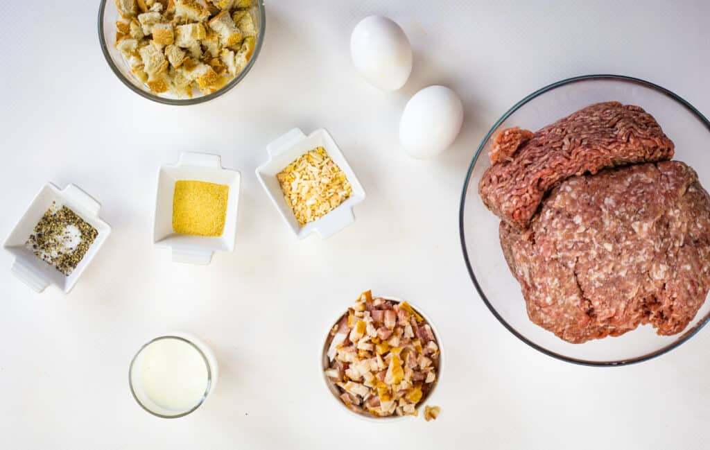 ingredients to make smoked meatloaf